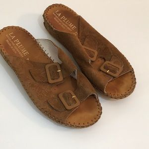 La plume Embossed leather 2 strap sandals size 7